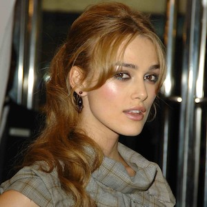 keira knightley with a blonde ponytail